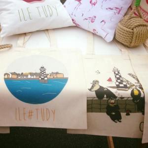 Sur le marché de l'île Tudy BI Ile#Tudy X Ilovelivia
